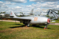 Mikoyan MiG-9 01 Red